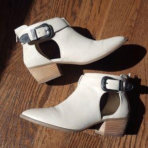 Cream American Eagle cutout booties